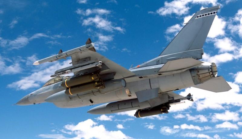 美方再宣布對我國的軍武合約,出售升級版響尾蛇飛彈與相關配件。(U.S. Air Force)