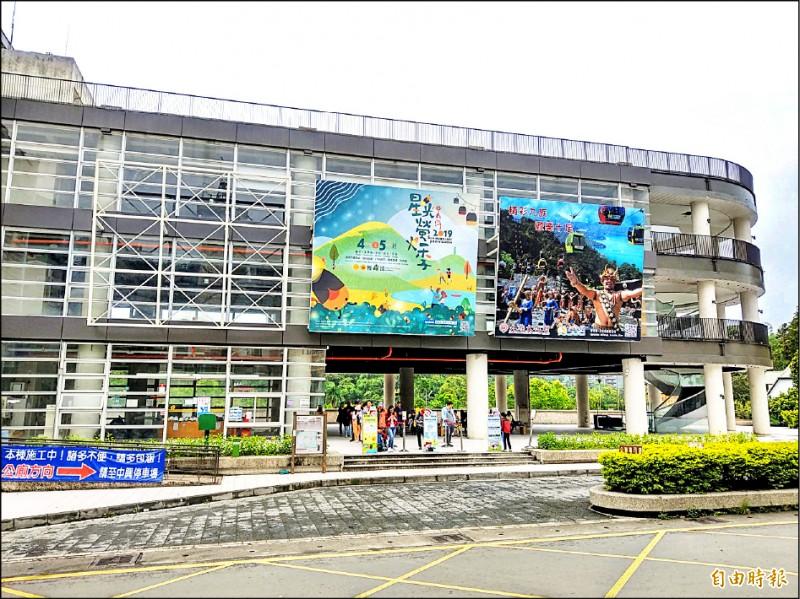 日月潭水社遊客中心目前僅有旅遊諮詢與售票、轉運服務,未來將由統一企業進駐營運。(記者劉濱銓攝)