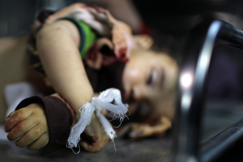 週六時巴勒斯坦武裝份子朝以色列南部發射了大約250枚火箭,以色列也發動空襲擊對加薩走廊展開報復空襲,已知造成至少4名巴勒斯坦人死亡,其中包含1名年僅1歲2個月大的女嬰(見圖)。(路透)