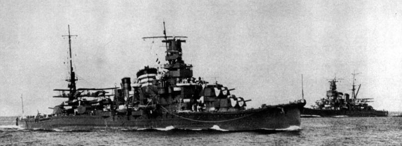 日軍首艘重巡洋艦「古鷹號」,其後為重巡「衣笠號」。(圖擷自wiki)
