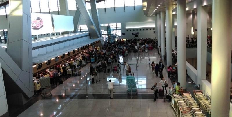 黃姓詐騙集團金主持假護照欲逃往柬埔寨,於馬尼拉國際機場被逮捕。資料照,圖為馬尼拉國際機場。(中央社)