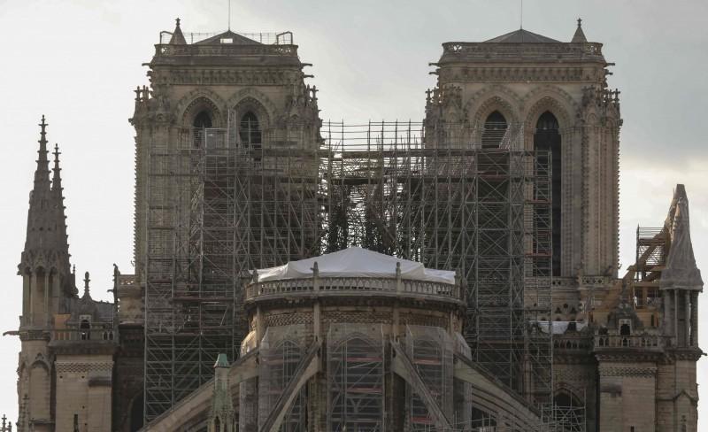 圖為發生祝融後2周的巴黎聖母院外觀。(法新社)