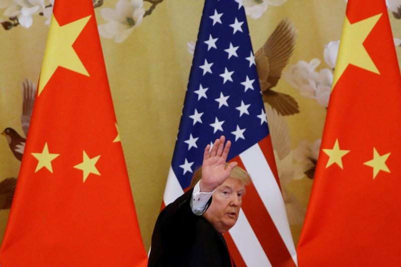 川普發推文表示,中國希望能夠拖到跟拜登(Joe Biden)或其他弱勢的民主黨人「談判」。(路透)