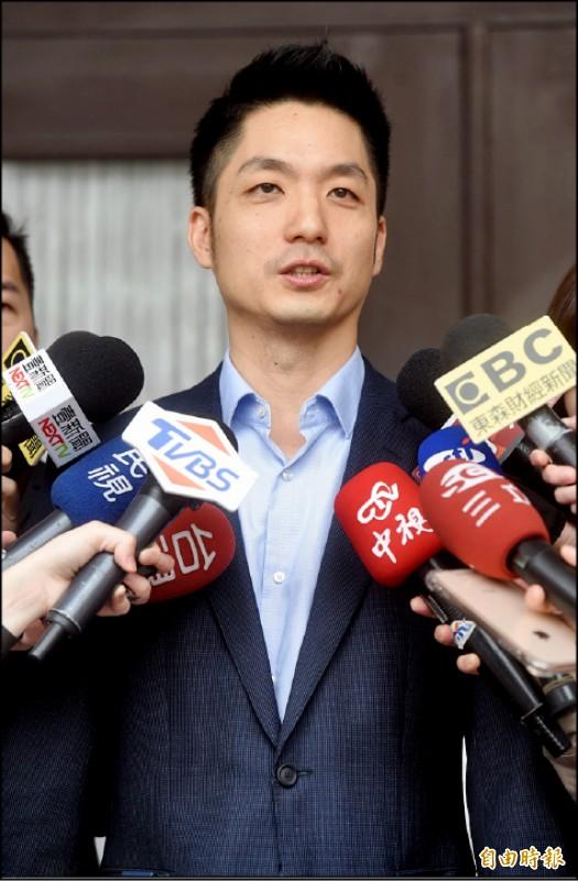 國民黨立委蔣萬安遭韓粉恐嚇,10日受訪時表示已報警提告。(記者簡榮豐攝)