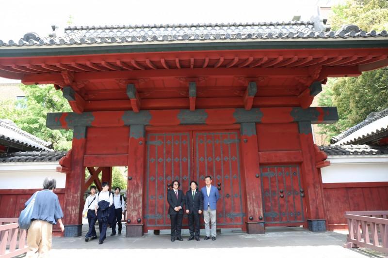 在日本訪問的行政院前院長賴清德,今天上午到東京大學與學者座談。(賴清德行動辦公室提供)
