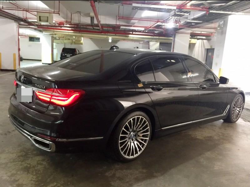 許姓應召站業者的BMW大7名車,南投檢方上月才以245萬元拍出,近日起訴許男。(南投地檢署提供)