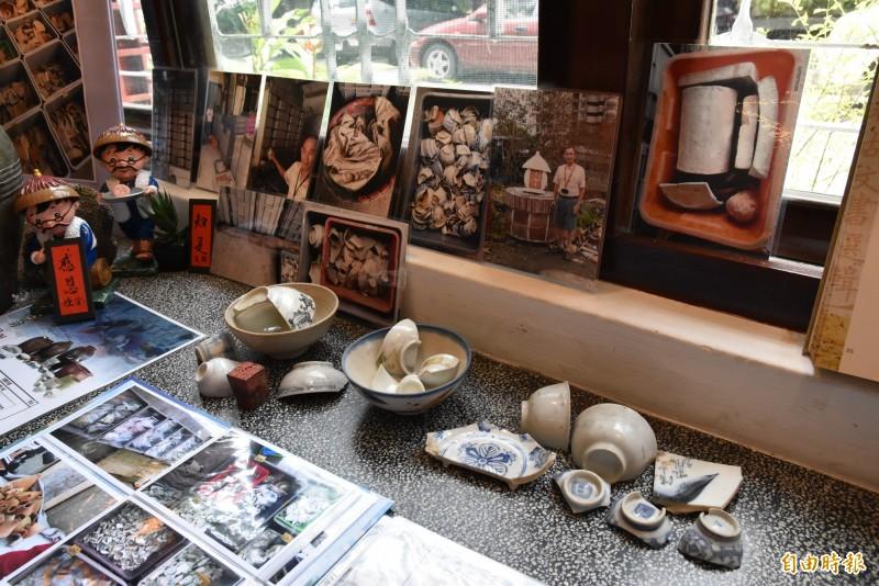 雲林北港文史耆老林永村捐出2萬6000多件珍藏30年的古笨港文物給縣府。(記者黃淑莉攝)