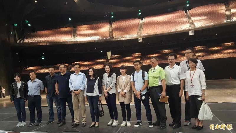 台北市議會上午到北流考察。(記者楊心慧攝)