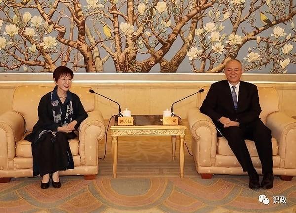 前國民黨主席洪秀柱正在中國訪問,洪秀柱表示堅持「九二共識」,堅決反對台獨。(圖擷取自網路)