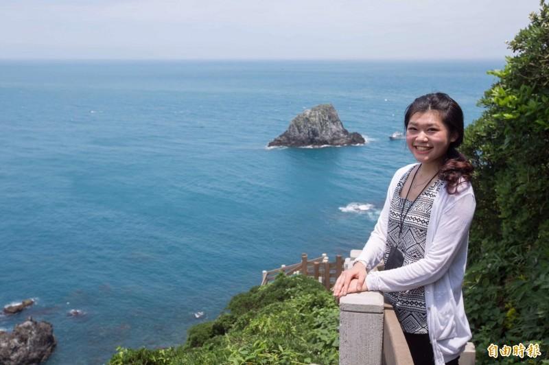 基隆嶼步道可遠眺山海美景。(記者林欣漢攝)