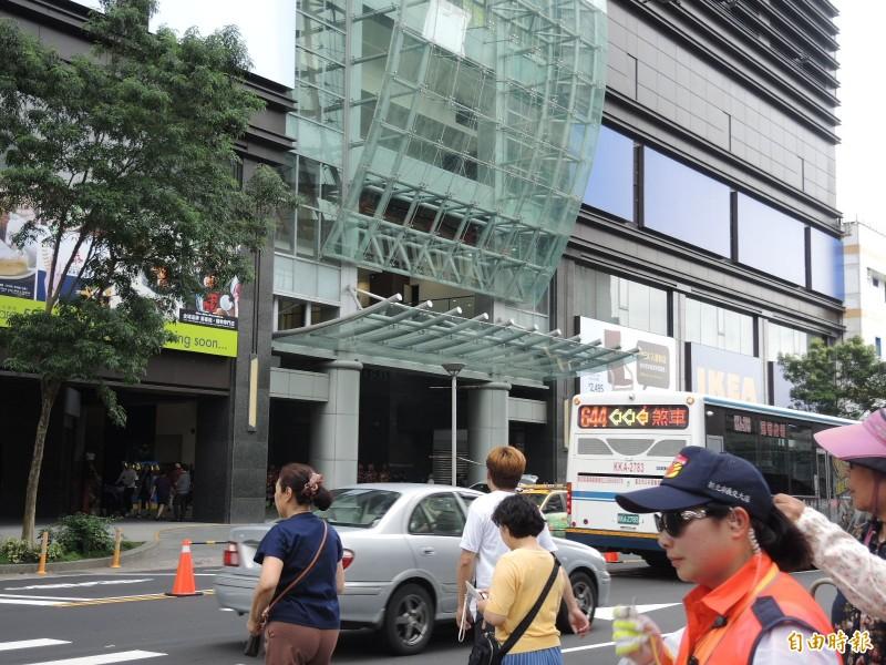 IKEA 新店店位於捷運小碧潭站共構大樓,可望帶動在地商圈發展。(記者翁聿煌攝)