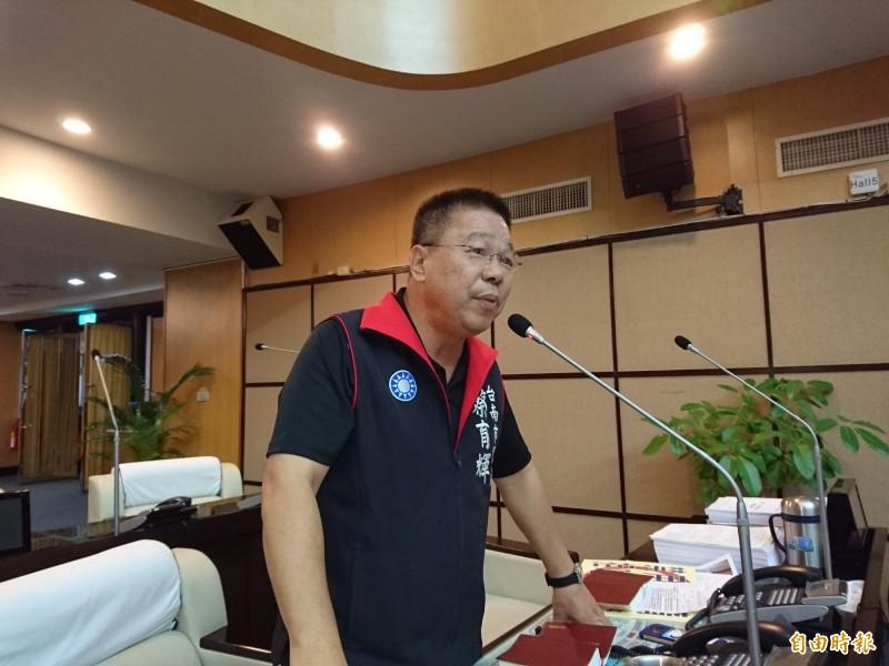 南市議會國民黨團書記長蔡育輝認為,台北市來評論高雄市議員水準不高,有些不厚道。(記者洪瑞琴攝)