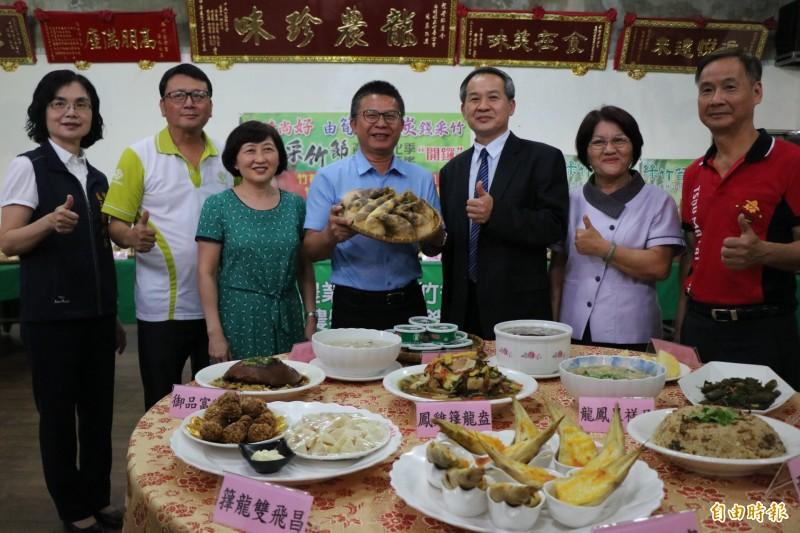 龍崎農會輔導田媽媽推出竹筍風味餐。(記者萬于甄攝)