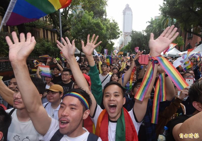 同性婚姻專法三讀通過,相關的法律規定也開始引發討論。(記者劉信德攝)
