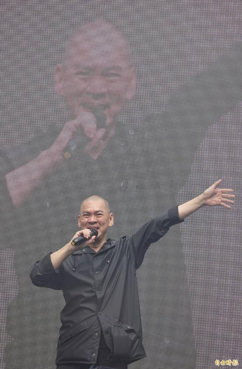 同婚法案三讀通過,導演蔡明亮歡呼。(記者劉信德攝)