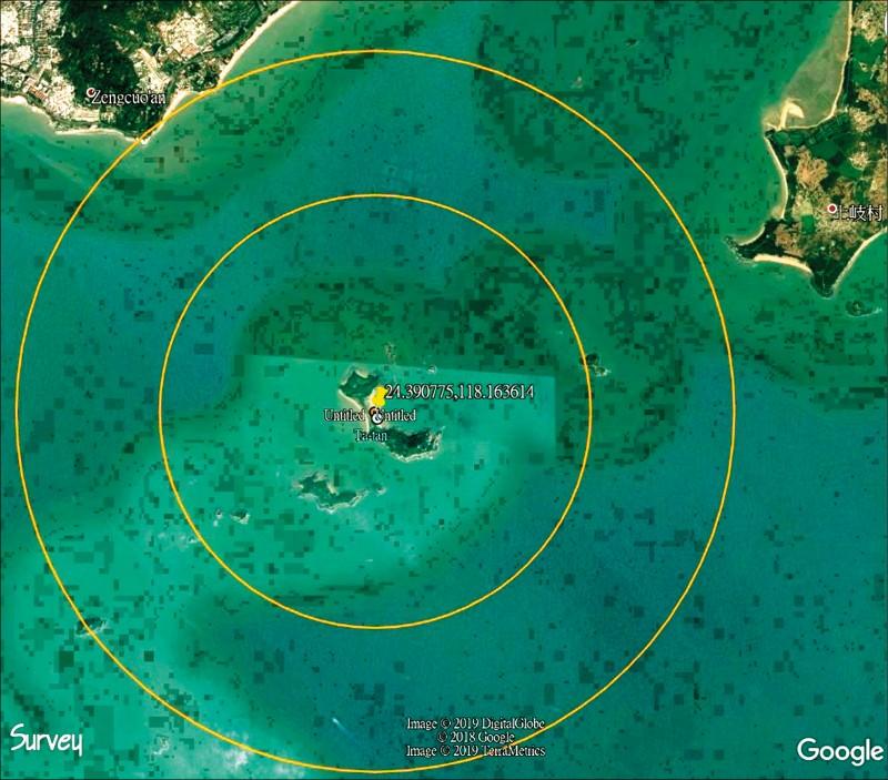 金門大膽島海灘附近發現豬內臟的位置,周邊半徑3至5公里內並無任何養豬場。(記者吳正庭翻攝)