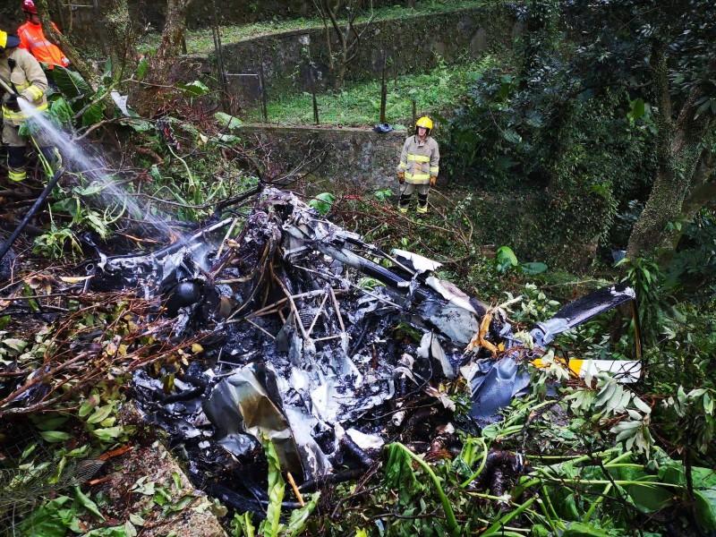 香港下午5點多傳出直升機墜毀事件,並在事故現場發現1具屍體。(圖擷取自臉書_香港警察 Hong Kong Police)