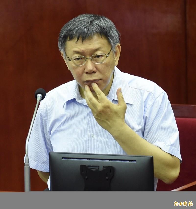 柯文哲昨天在台北市議會脫口反罵王世堅「垃圾」,引發外界爭議。(記者簡榮豐攝)