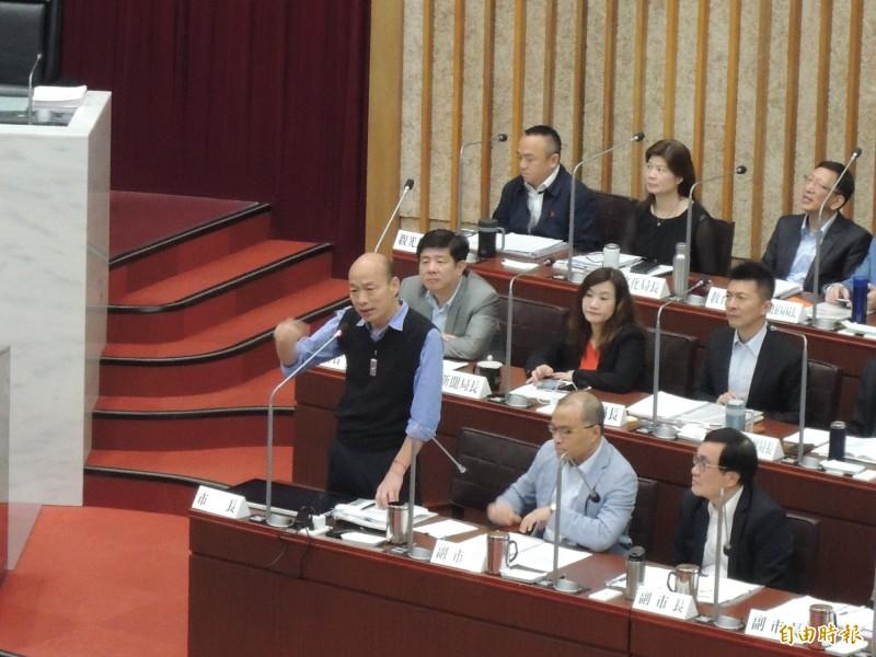 高雄市長韓國瑜認同李雅慧建議,允諾會對左營哈囉市場立刻調查研究,升級觀光市場可能性。(記者王榮祥攝)