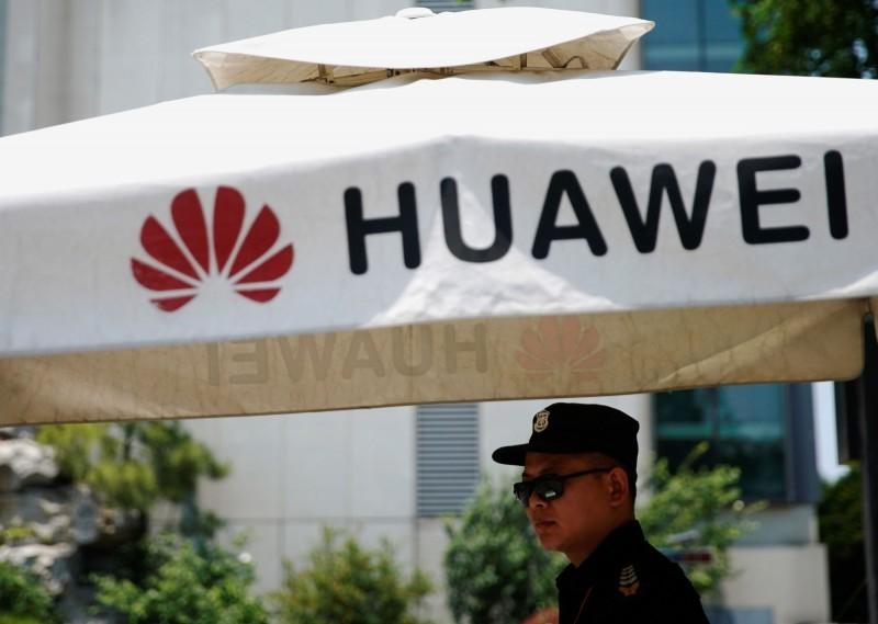 華為禁令延燒,美中貿易緊張升級,川普政府傳出考慮把杭州海康威視、浙江大華技術等5家監控設備大廠列入貿易黑名單。(路透)