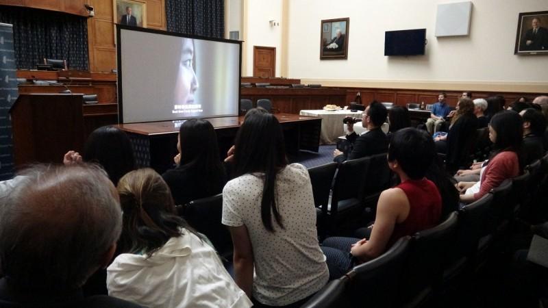 導演傅榆期執導的318學運紀錄片「我們的青春,在台灣」,今(23日)在美國國會播映。有聯邦眾議員看完影片後表示,「在影片中看到台灣人如何起身對抗中國的霸凌」。(中央社)
