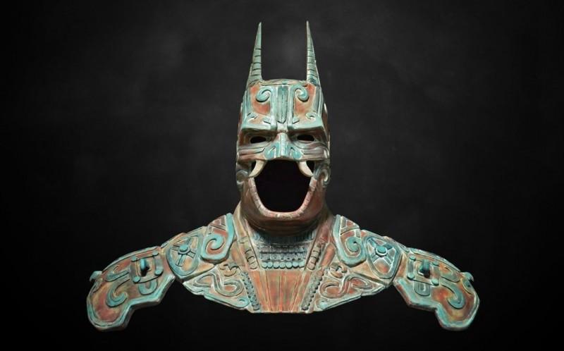 近日網路上瘋傳一張酷似「馬雅文物」的蝙蝠俠戰甲照片,引起熱議。(翻攝自Behance @kimbal)