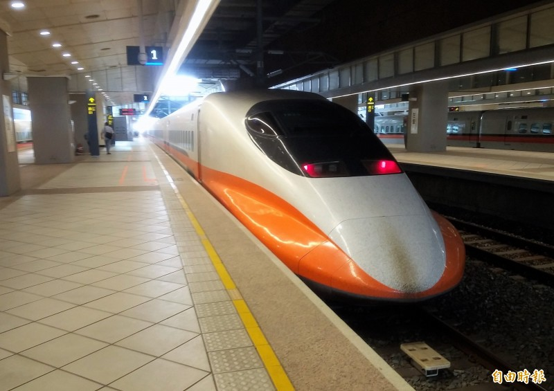 台灣高鐵公司今宣布,因旅運量持續成長,檢視後規劃,從7月1日起,每週增開18班次列車,南北向各9班,使每週旅運服務達1015班次。(資料照)
