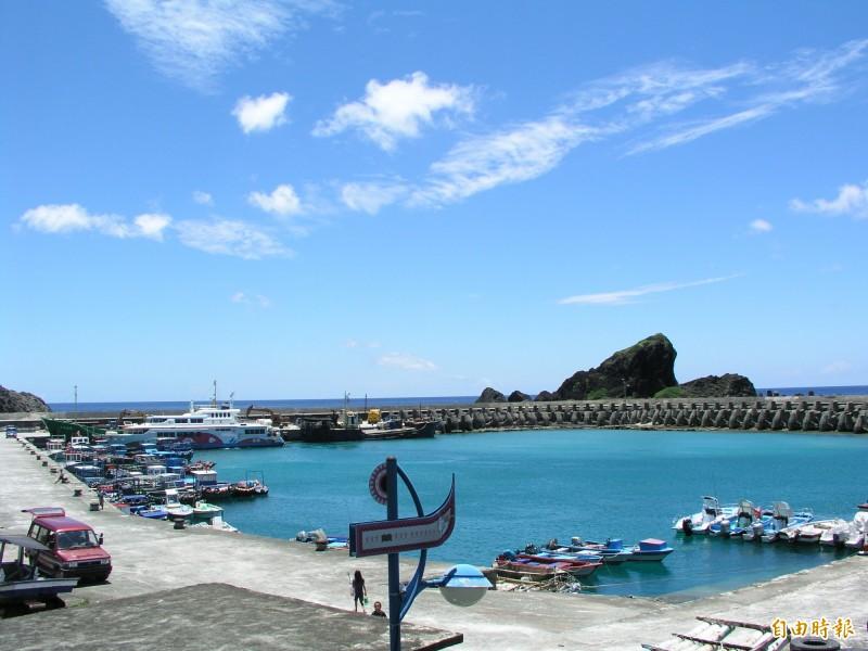 蘭嶼開元港遊憩設施、停泊位均不足。(記者張存薇攝)