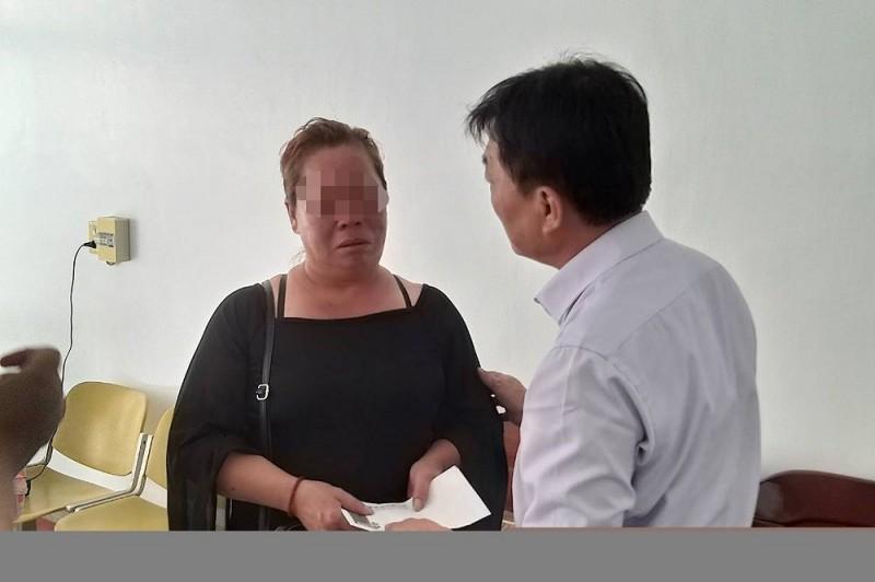 潮州鎮公所昨天前往關懷,林媽媽哀痛之情溢於言表。(記者邱芷柔翻攝)
