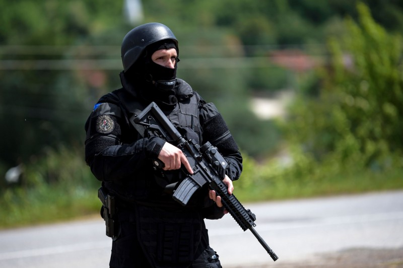 科索沃近日宣布增派大量警力進入北部塞爾維亞人居多的省分,引起塞爾維亞的高度警戒,巴爾幹半島情勢緊張。(法新社)