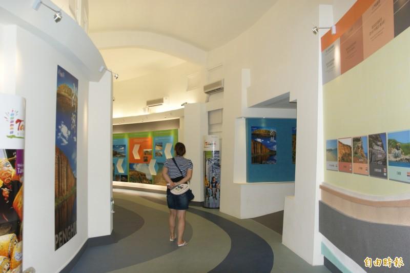 由於小門地形特殊,因此設立小門地質館專館介紹。(記者劉禹慶攝)