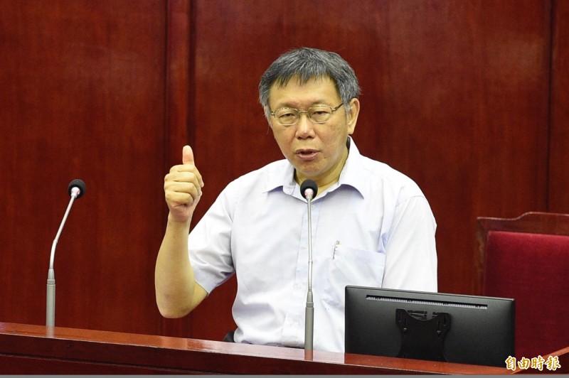 台北市長柯文哲在議會接受答詢。(記者叢昌瑾攝)