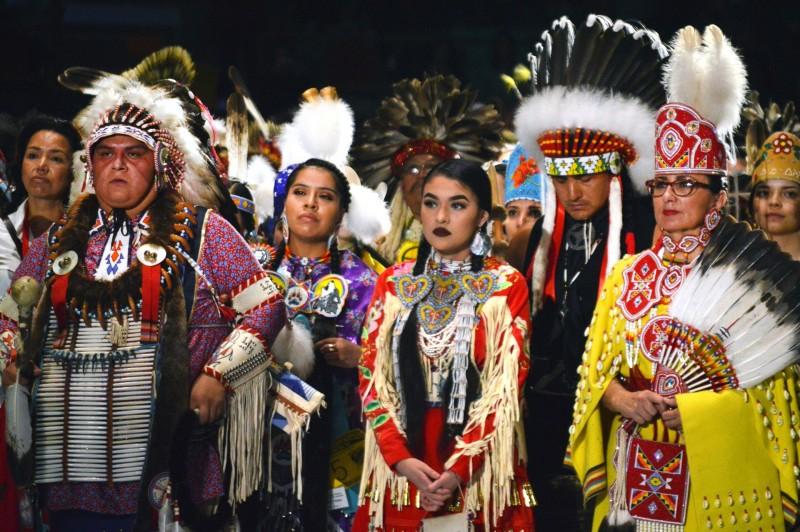 加拿大自1980年以來至少有1200名原住民女性遭謀殺或失蹤,被形容為「加拿大的種族清洗」。圖為美加2國原住民示意圖。(美聯社)