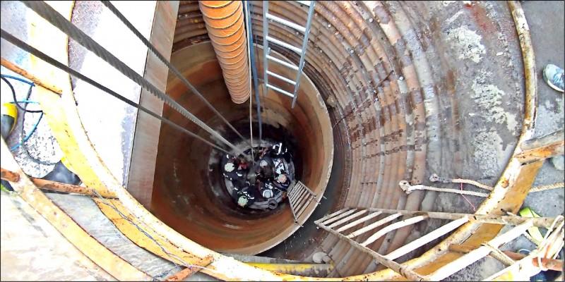 工人發生意外的位置在地下十二米的坑道內。(民眾提供)