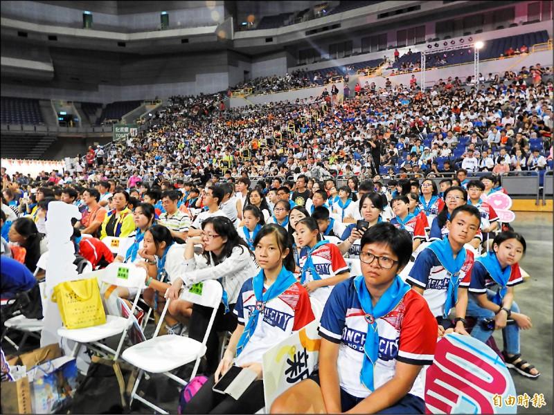 數千名學生參與全國反毒博覽會活動。(記者葛祐豪攝)