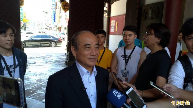 前立法院長王金平受訪指與曾全力輔選當選高雄市長的韓國瑜競爭總統大選是兄弟登山、各自努力。(記者王俊忠攝)
