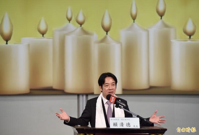 中國反抗運動與自由台灣民主人權團體2日聯舉行「六 . 四」30週年暨「二 . 二八」72週年聯合紀念活動,前行政院長賴清德出席致詞。(記者簡榮豐攝)