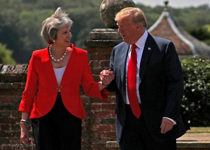 川普抵英展開為期3日的國是訪問,明將與英國首相梅伊商談中國華為及氣候變遷議題。(路透)