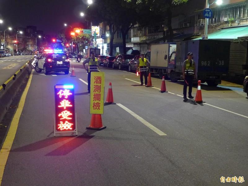 酒駕加重罰鍰、同車乘客共罰 7/1正式上路。(資料照,記者王冠仁攝)
