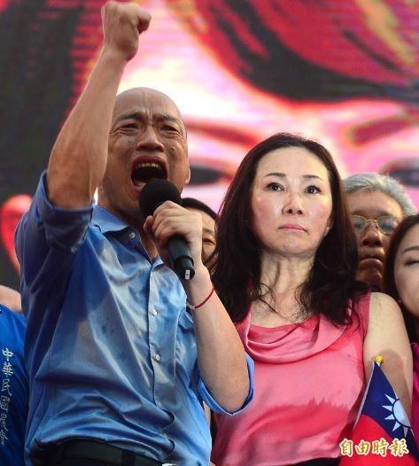高雄市長韓國瑜1日出席凱道「決戰2020,贏回台灣」全國團結造勢大會 ,韓國瑜表示,願意承擔重任,為中華民國不惜粉身碎骨。 (資料照)