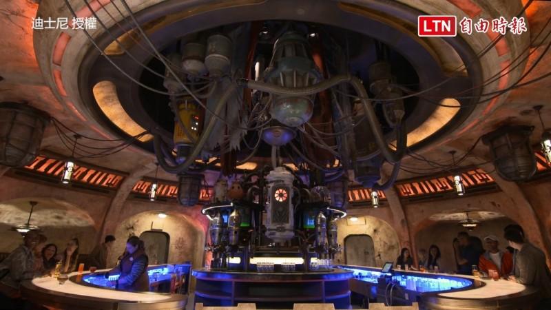 星戰主題酒吧。(迪士尼授權)