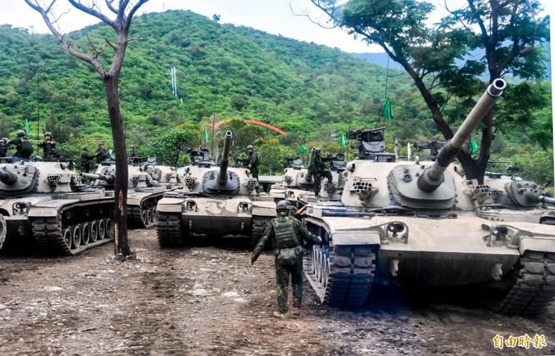 從解放軍可能侵台的三種方式來看,強化台灣陸軍其實是非常重要的。(資料照)