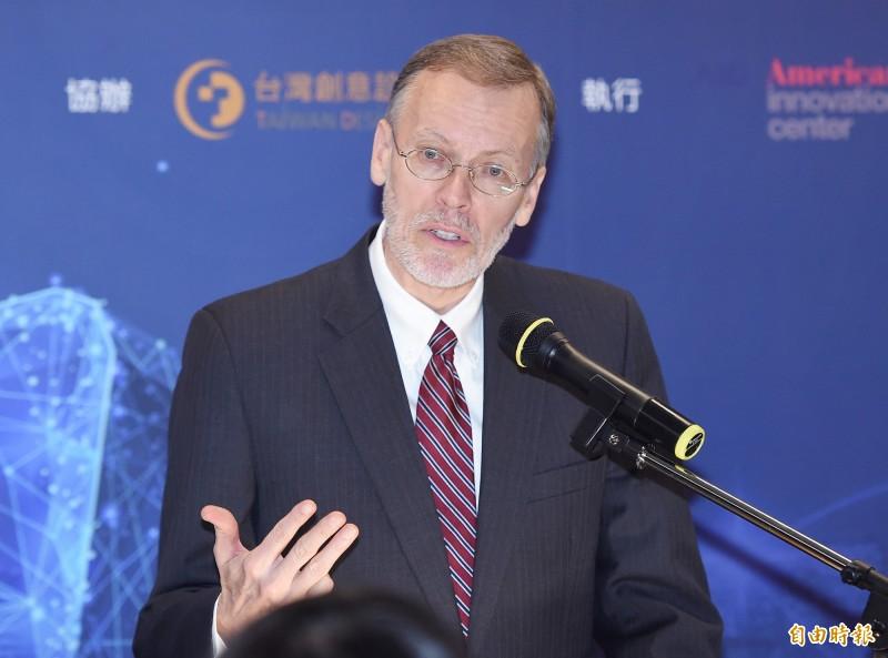 AIT處長酈英傑在「台灣全球參與公共論壇」上以六四悲劇為鑑,重申參與式民主的力量。(記者廖振輝攝)
