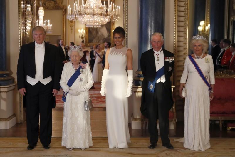 美國總統川普稱英國女王為「偉大的女人」。(美聯社)