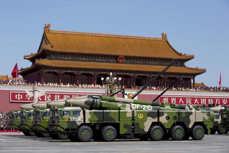 美國政府情報顯示,沙烏地阿拉伯已經在中國幫助下,大幅升級其彈道飛彈。分析認為,這一發展限制了美國數十年來防範飛彈擴散的努力。圖為解放軍的東風-21飛彈。(路透資料照)