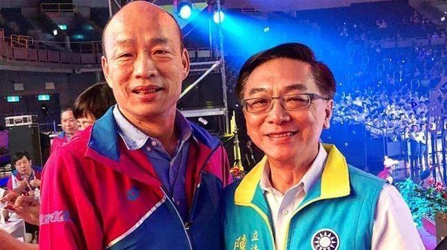 國民黨不分區立委陳宜民(圖右)曾擔任韓國瑜競選高雄市長發言人。(擷取自立法委員 陳宜民臉書)