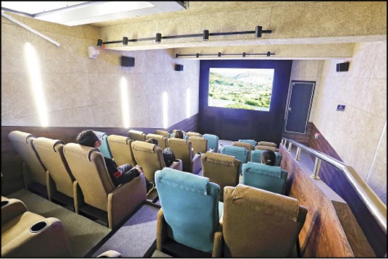 由閒置老屋改建的中山73,現在為台中火車站附近的藝文基地,內部還設有電影放映廳,可欣賞藝文、非主流電影。(記者李惠洲/攝影)