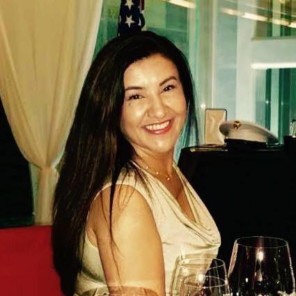曾外派到台灣的美國商務部45歲女官員古洛莫娃(Lola Gulomova),遭任職國務院的丈夫槍殺。(圖擷自Lola Gulomova臉書)