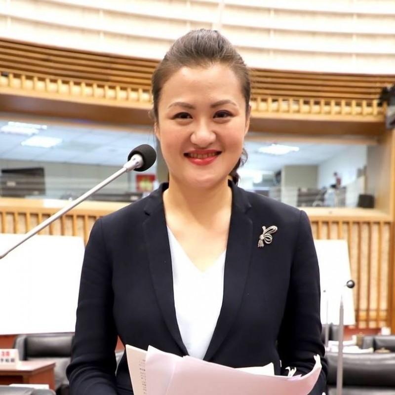 民進黨高雄市議員高閔琳呼籲韓國瑜辭高雄市長。(取自高閔琳臉書)