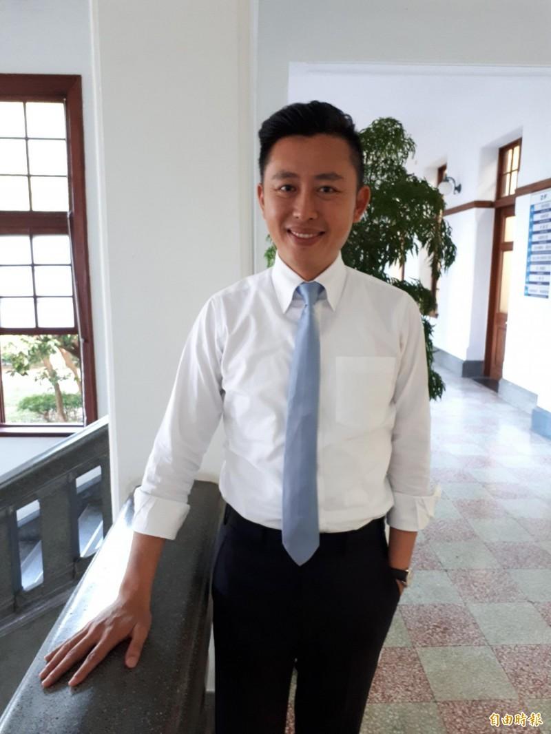 新竹市議員質詢市府財政日漸惡化,光是去年就增加20億的債務,市長林智堅回應主要是用在大型公共建設及公務員加薪和社福措施,希望將建設留給下一代。(記者洪美秀攝)